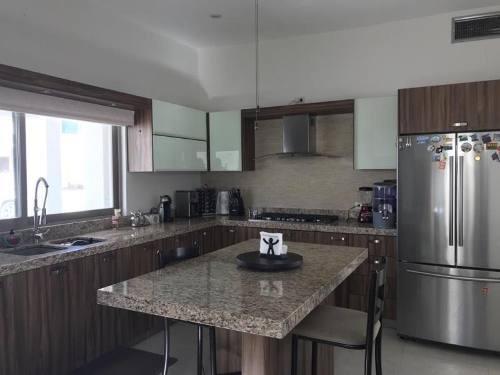 Casa En Renta En Fracc. Las Trojes, Torreón