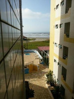 Ótimo Apartamento No Balneário Tupy Com Piscina - Itanhaém