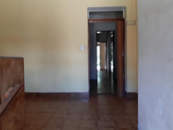 Casa De 3 Dormitorios Con Garage