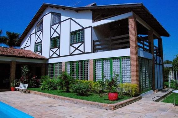 Linda Casa, 3 Pavimento, 6 Qts, Piscina E Extensa Área Verde
