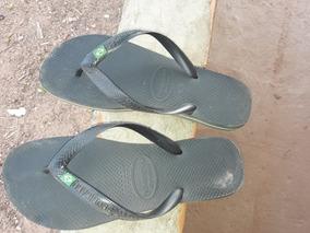 Sandálias Havaiana Conservada