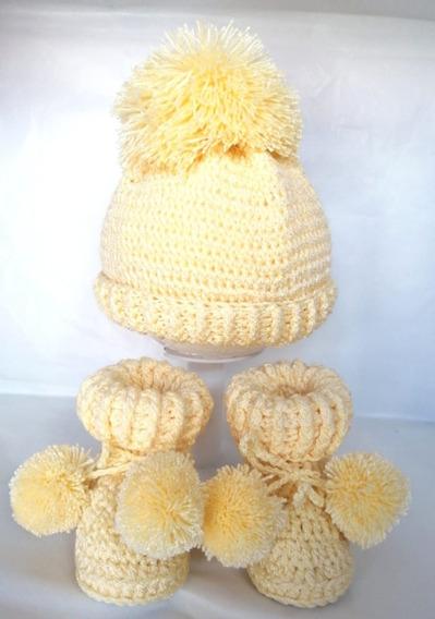 Botas Tejidas Con Gorra De Pompón Para Bebé Amarillas