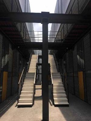 Loft De Diseño En Dos Niveles Con Terraza Privada