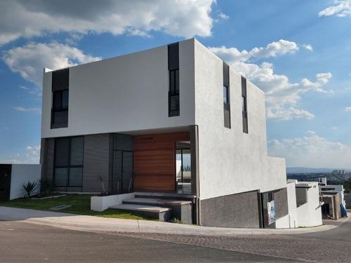 Casa Con Alberca En Venta Juriquilla Lomas De Juriquilla Queretaro