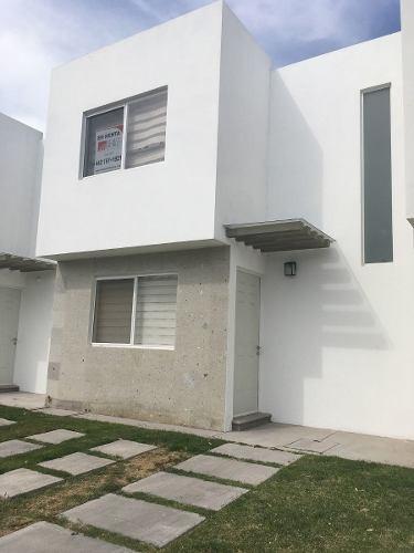 Casa En Renta En Paseos Del Bosque Corregidora Fracc Privado. $7,500