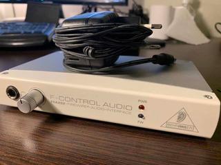 Interfaz De Audio Behringer Fca202