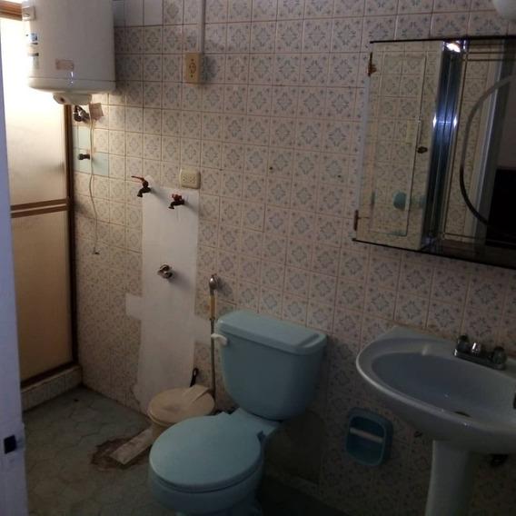 Apartamento. Alquiler. Equipado. 0426 3270353.