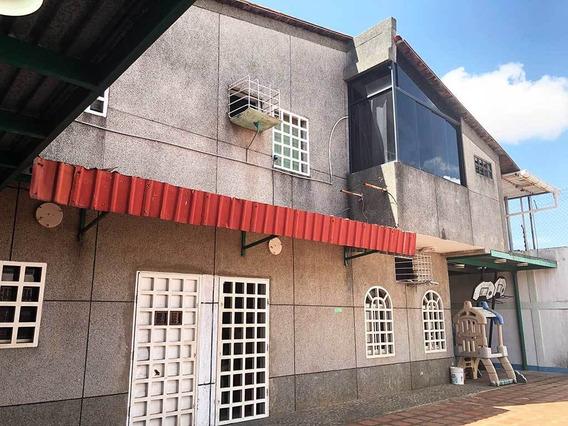 Edificio 15 Oficinas Y 4 Baños, Urb. Río Caura