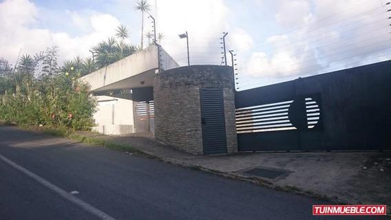 Casa En Venta En La Lagunita Country Club Mls #19-3386