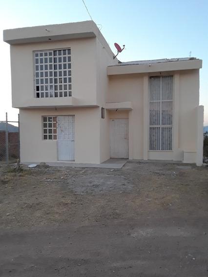 Casa 4 Recamaras Y Terraza