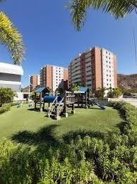 En Venta Apartamento En Costarena Suites, Nueva Barcelona