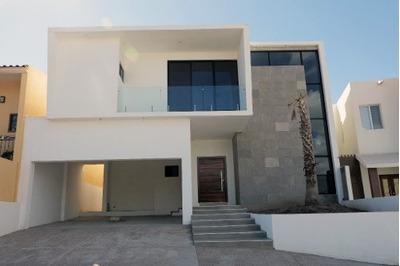 Hermosa Residencia En Cantera Iii De Oportunidad !!