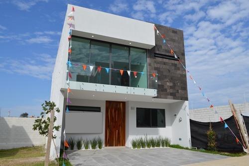 Casa En Coto Con Alberca Fraccionamiento Valle Imperial