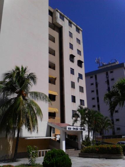 P.h , 3 Habitaciones, 2 Baños, 2 Est. Con Parrillera