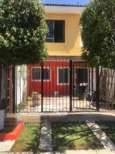 Excelente Casa En Venta En San Pedro Tlaquepaque