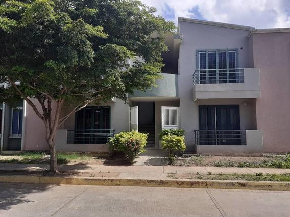 Nestor Moreno Vende Town House En Paraparal