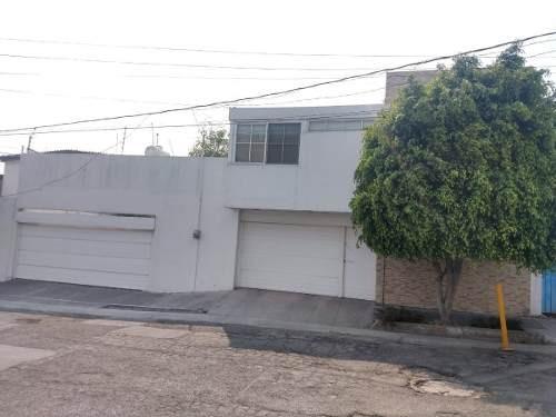 Se Vende Amplia Casa En Prados Agua Azul