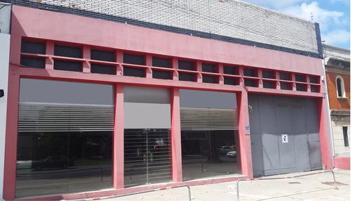 Venta Local De 1000 M2 Próx. Bvr. Artigas Y Gral. Flores