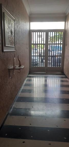 Apartamento En Av Bermudez -res Tibisay- Vanessa 04243219101
