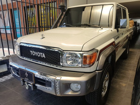 Toyota Land Cruiser Hzj79 Arabe