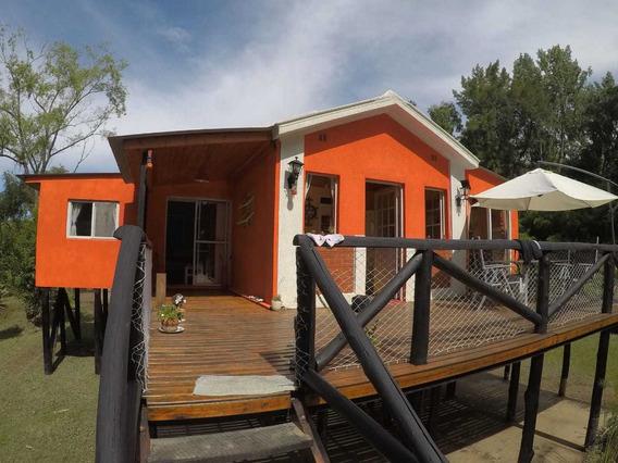 Hermosa Casa Sobre Canal Arias, Leer Descripción