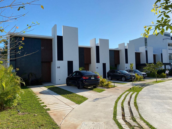 Renta Casa O Town House Con Jardín En Privada Con Amenidades- La Ceiba