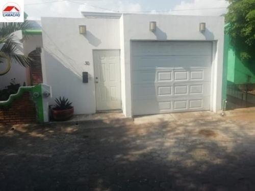 Casa Sola En Venta Villas De Bugambilias, V.a., Colima; A Una Cuadra De Walmart 3er. Anillo....