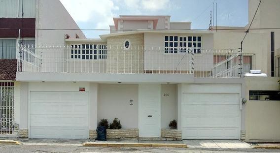 Casa Amplia Propia Para Oficinas, Consultorios, Despachos