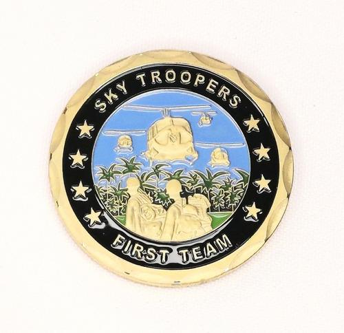 Imagen 1 de 6 de Moneda Militar, Primera División Caballería, Vietnam
