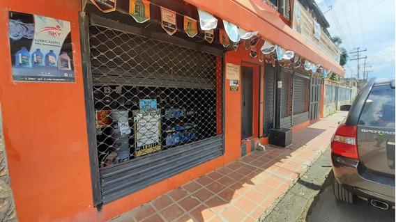 Local Comercial, Depositos Y Residencia De 10 Apartamentos