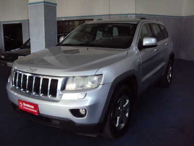 Jeep Grand Cherokee Laredo V6 3.6 4x4