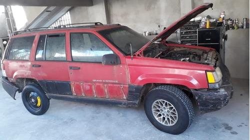 Jeep Cherokee Cherokee Laredo 95 6