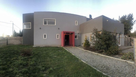 Casa Dina Huapi Muy Moderna, Recibe Departamento