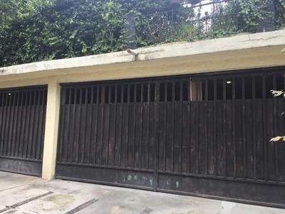 Casa Sola En Venta Con Vigilancia. Loma Linda