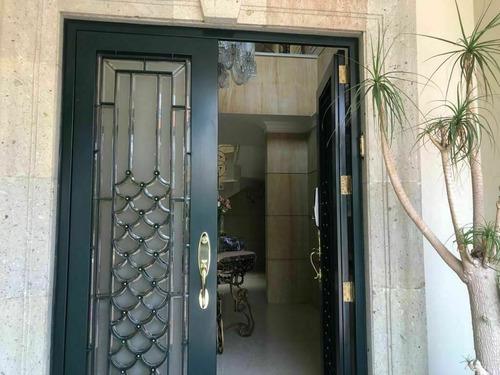 Imagen 1 de 21 de Excelente Casa En Av. Loma De La Palma