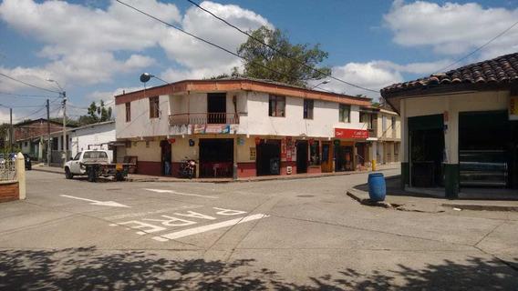 Se Vende Casa De Dos Plantas Esquinera Comercial En El Caimo