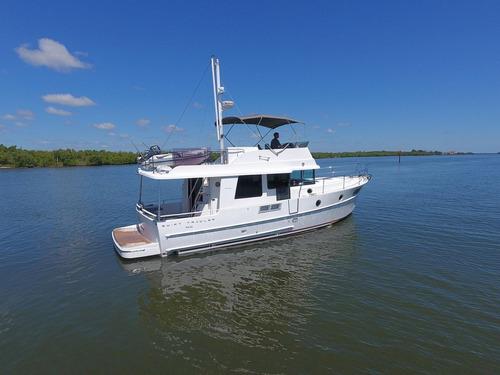 Beneteau Swift Trawler 44 Ñ Intermarine Sessa Phantom