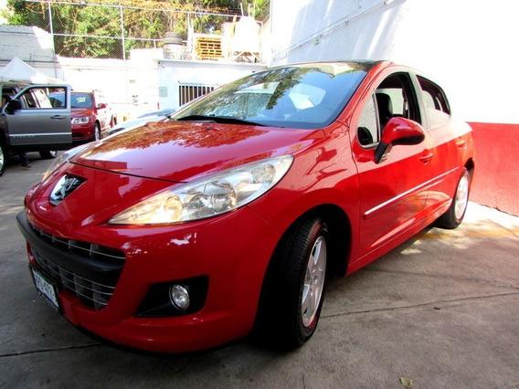 Peugeot//207 Allure Std//techo Panorámico// 2013