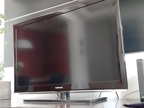 Imagem 1 de 5 de Tv Televisão Samgung 40  Polegadas Full Hd - Lcd - Series 5