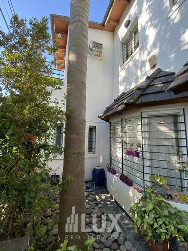Casa 3 Dormitorios Con Piscina, Quincho Y Parrilla - Garage 2 Autos  Cerca Del Rio - Alberdi