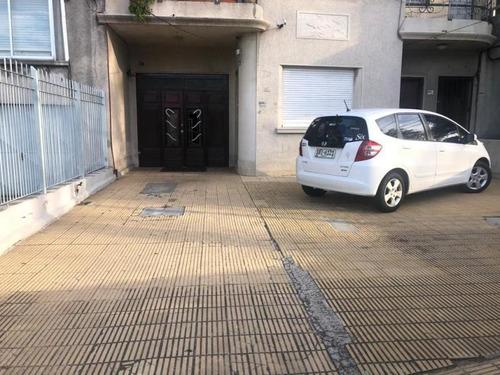 Imagen 1 de 11 de Casa Ideal Para Empresas.calle Luis A.de Herrera.
