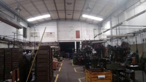 Excelente Inmueble Industrial A Mts. Au. Riccheri, Dellepiane En Mataderos