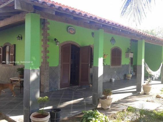 Casa Para Venda Em Araruama, Praia Seca, 2 Dormitórios, 1 Suíte, 2 Banheiros, 2 Vagas - Iv0061