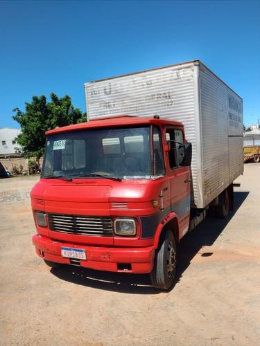 Caminhão Mb608