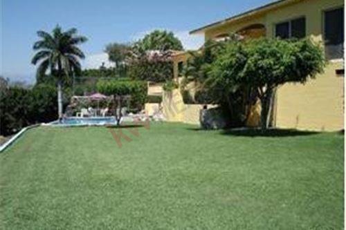 Casa En Venta, Jiutepec, Morelos, Fraccionamiento Club De Golf San Gaspar.