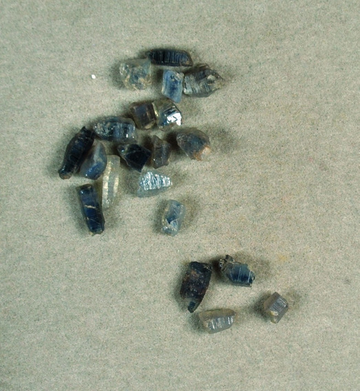 Safira - Bruta - 15 Unidades - Cod:fh68 - T.3 A 7.0mm
