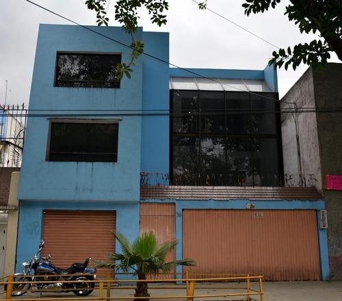 Casa Sola En Venta Con Local Comercial