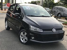 Volkswagen Fox Comfortline 1.6 Com Km Baixo !
