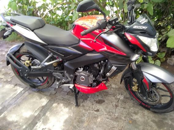 Excelente Moto Bajaj 200ns