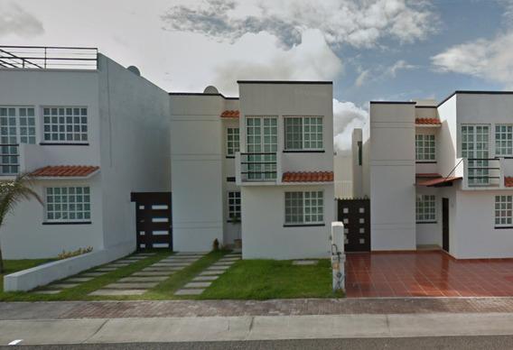 Casa Bonita En Renta C/3 Recámaras En Qro.